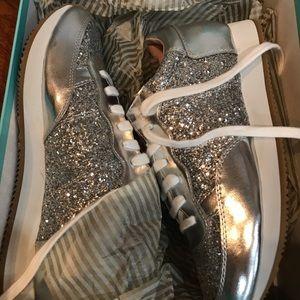 Kate spade Felicia silver sneaker size (ID.OI)